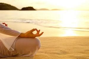 yoga spiaggia