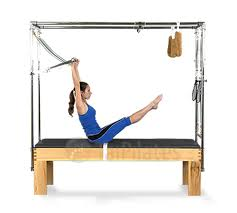 Il grande Attrezzi Pilates Cadillac presso lo Studio Yoga Pilates