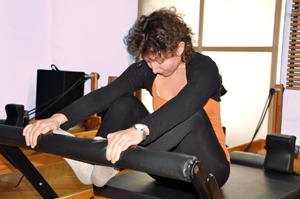 anna sul reformer presso lo Studio Yoga Pilates di Torino